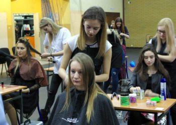 Szał karnawałowych fryzur