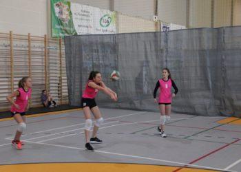 Siatkarska rywalizacja dziewcząt