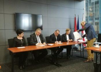 Umowa na przebudowę ścieżki pieszo-rowerowej