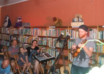 Z muzyką wśród książek