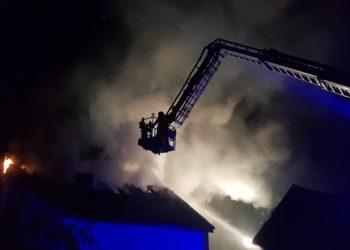 Spłonął dach budynku mieszkalnego