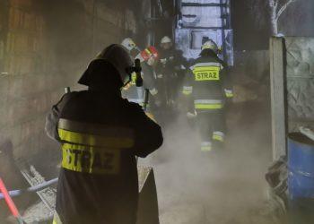 Nocny pożar w stolarni