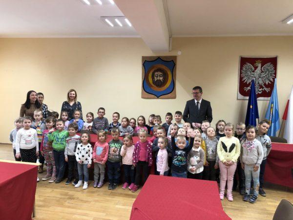 Przedszkolaki w zdunowskim urzędzie