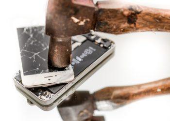 Jak chronić iPhone przed uszkodzeniami?