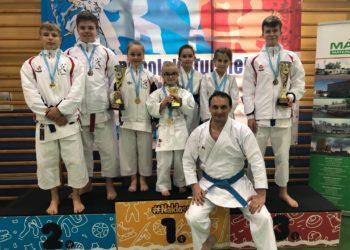 Shodan z dorobkiem 14 medali