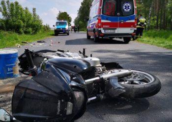 Motocyklista uderzył w samochód
