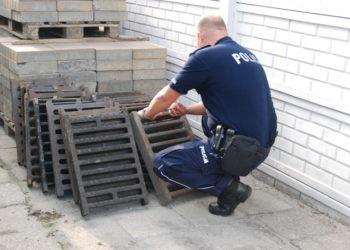 Kradł kratki kanalizacyjne