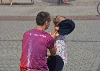 Na rynku fruwały berety