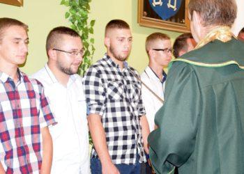 Młodzi rzemieślnicy otrzymali dyplomy