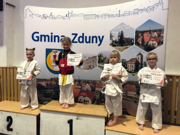 Wielkie zawody karate w Zdunach