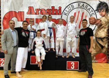 16 medali karateków w Legnicy