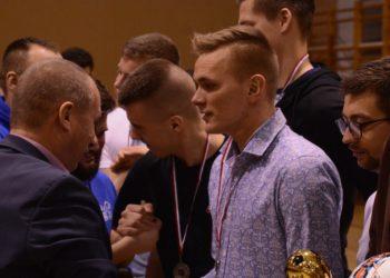 Tom-Kar mistrzem ligi halowej!