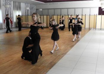 Taniec zagościł w Leśniczówce