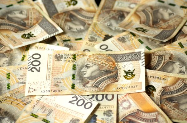 Ukradli kilkaset tysięcy złotych!