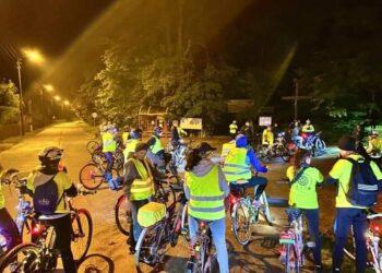 Rowerzyści nocą
