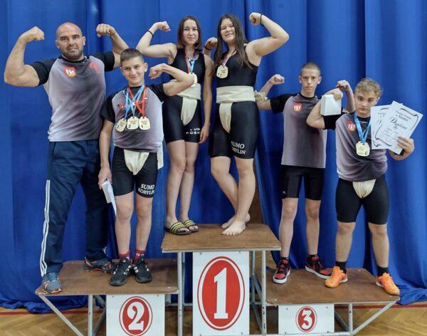 14 razy na podium